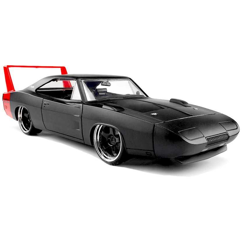 Dodge Charger Daytona preto fosco (1969) marca Jada Toys escala 1/24