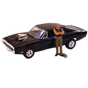 Dodge Charger Velozes e Furiosos (1970) com Boneco Dominic (Vin Diesel)