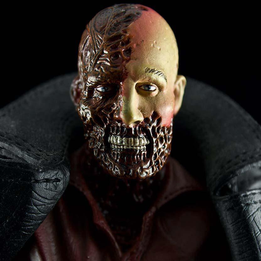 Dr. Peyton Westlake :  Darkman Sota Toys action figure (aberto)