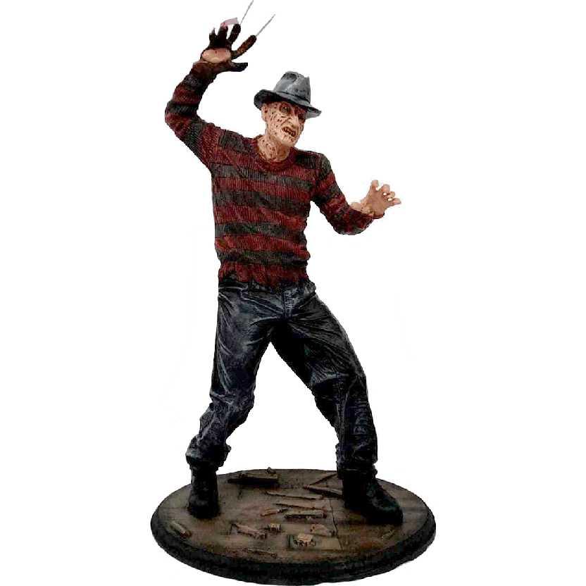 Estátua do Freddy Krueger filme A Hora do Pesadelo com 40cm de altura