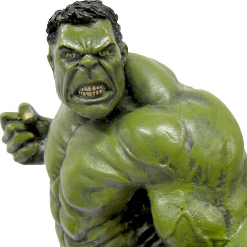 Estátua do Hulk (médio)