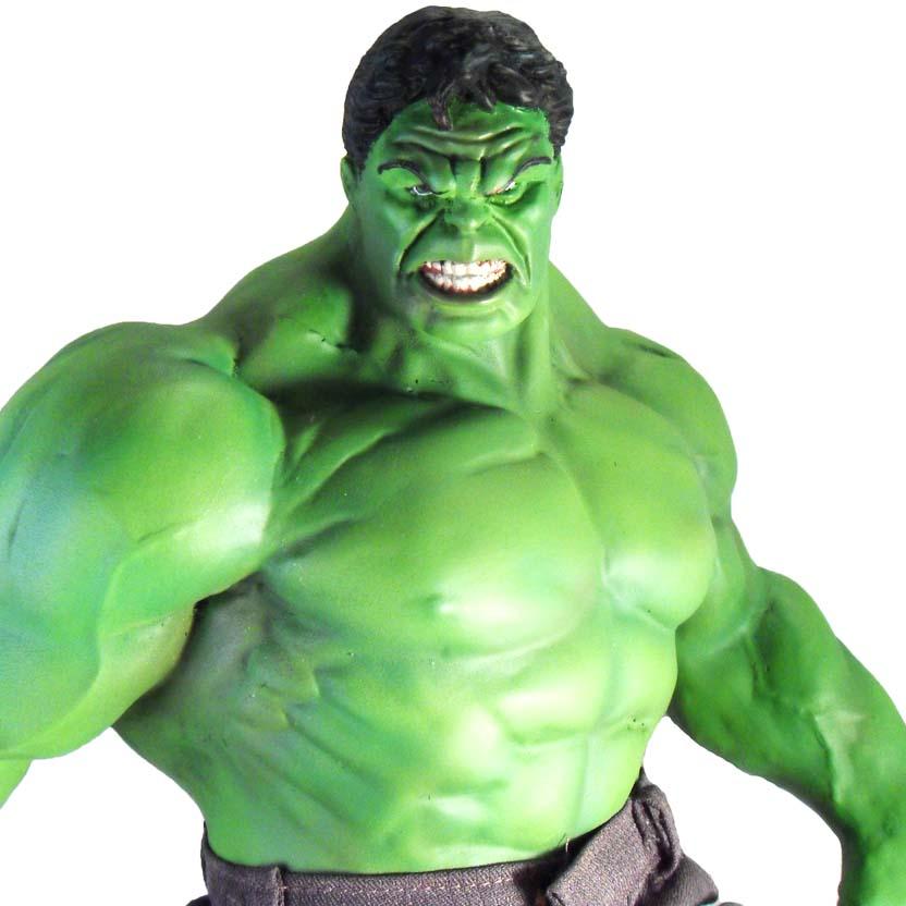 estátua do hulk os vingadores arte em miniaturas