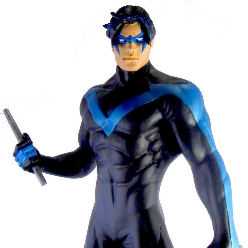 Estátua do Nightwing em resina