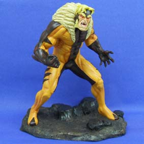 Estatueta Dentes de Sabre (Marvel) Sabretooth