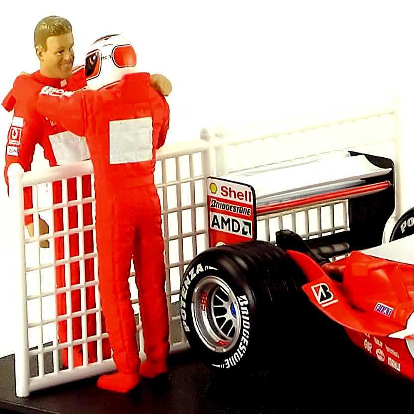Ferrari Constructor Cup (Rubens Barrichello + Michael Schumacher) F2003-GA escala 1/18