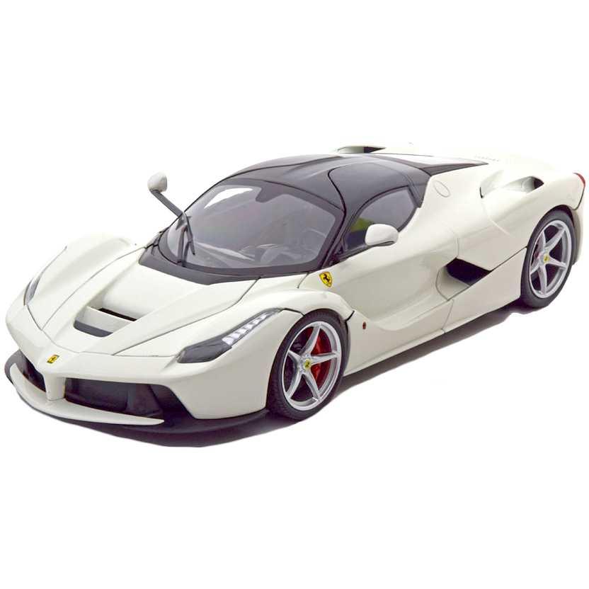 Ferrari LaFerrari F70 Hybrid cor branca BLY54 marca Hot Wheels escala 1/18