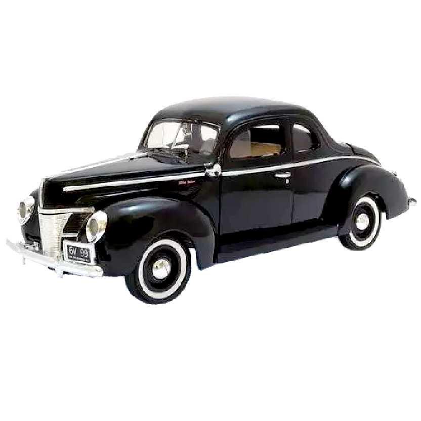 Ford Deluxe Coupe preto (1940) marca Motormax escala 1/18