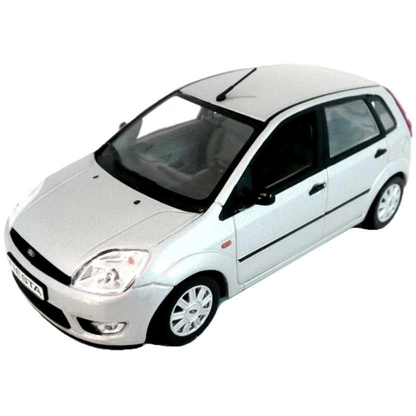 Ford Fiesta prata (2002) marca Minichamps escala 1/43
