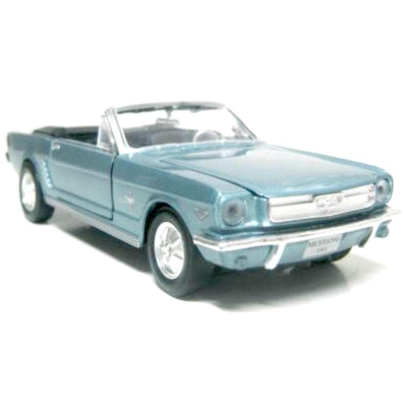 Ford Mustang Conversível 1964 1/2 marca Motormax escala 1/24