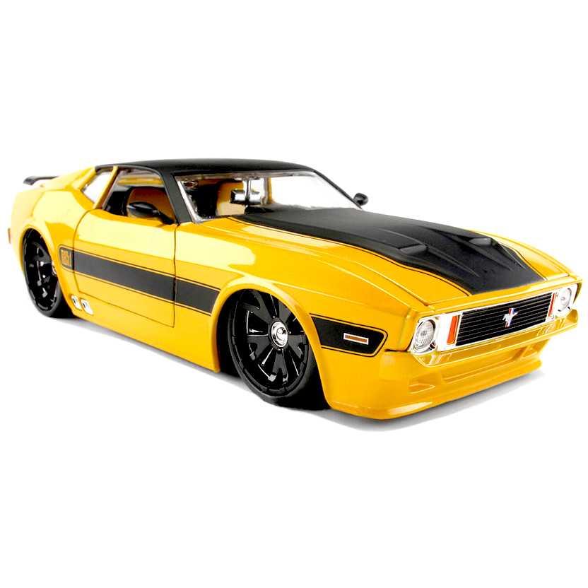 Ford Mustang Mach 1 (1973) marca Jada Toys escala 1/24