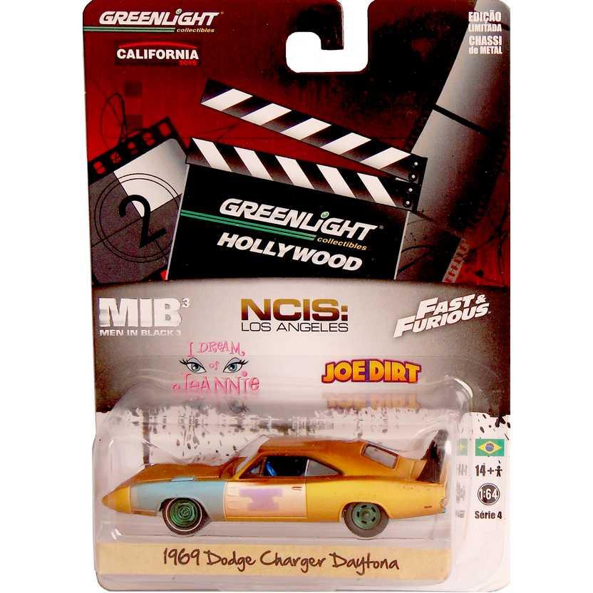 Green Machine Greenlight Hollywood 1969 Dodge Charger Daytona R4 44640