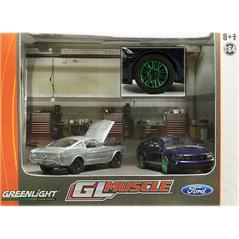 Greenlight Diorama Green Machine 1966 + 2010 Ford Mustang GL Muscle 56050 escala 1/64
