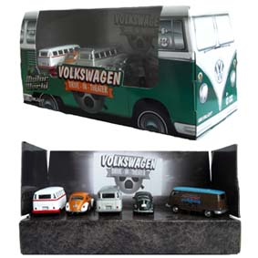 Greenlight Motor World Volkswagen Drive in Theater ( Fusca green machine ) 58008