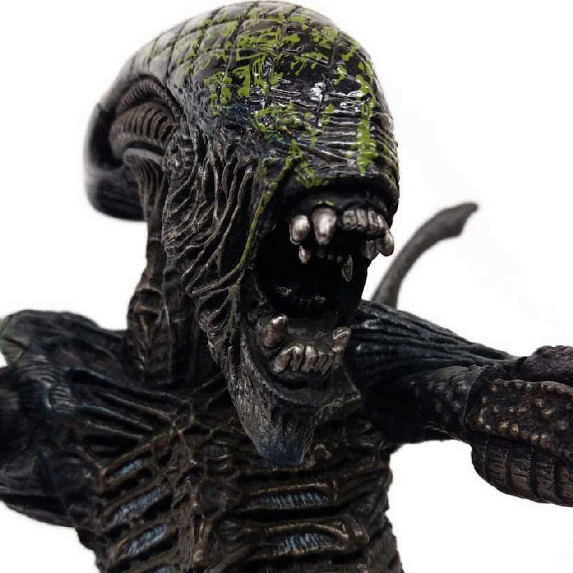 Grid Alien (Alien VS. Predador) AVP McFarlane Toys 38cm ABERTO / Loose