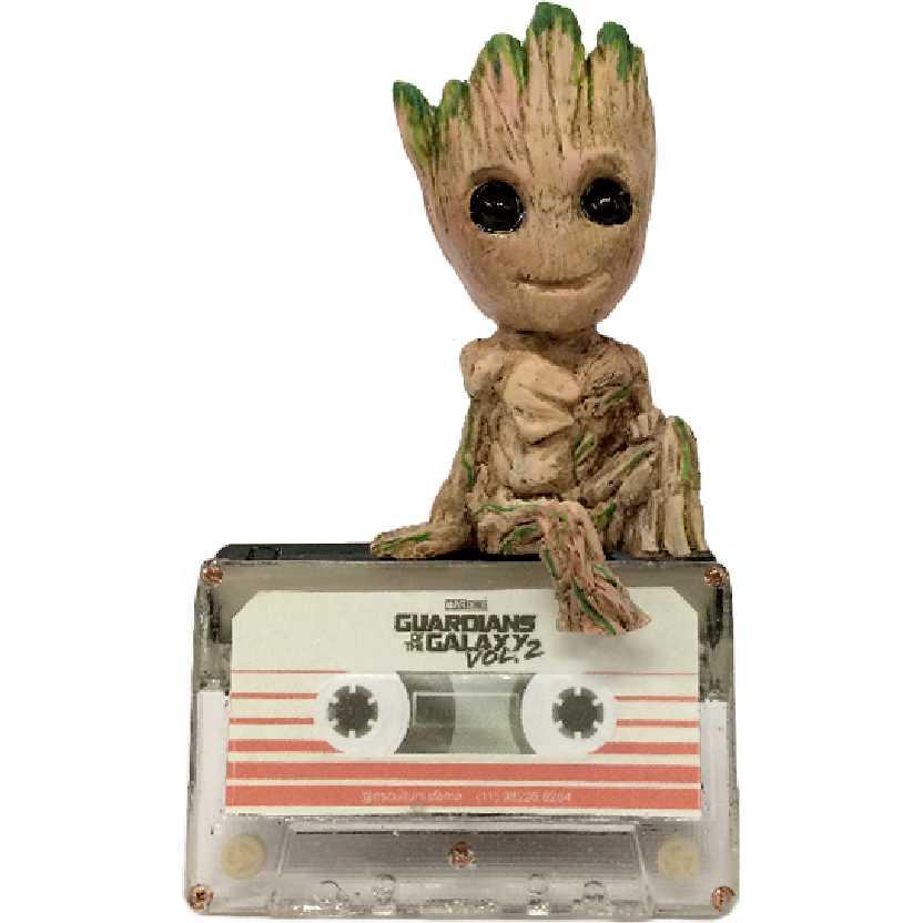 Groot sob Fita K7 (Guardiões da Galáxia)