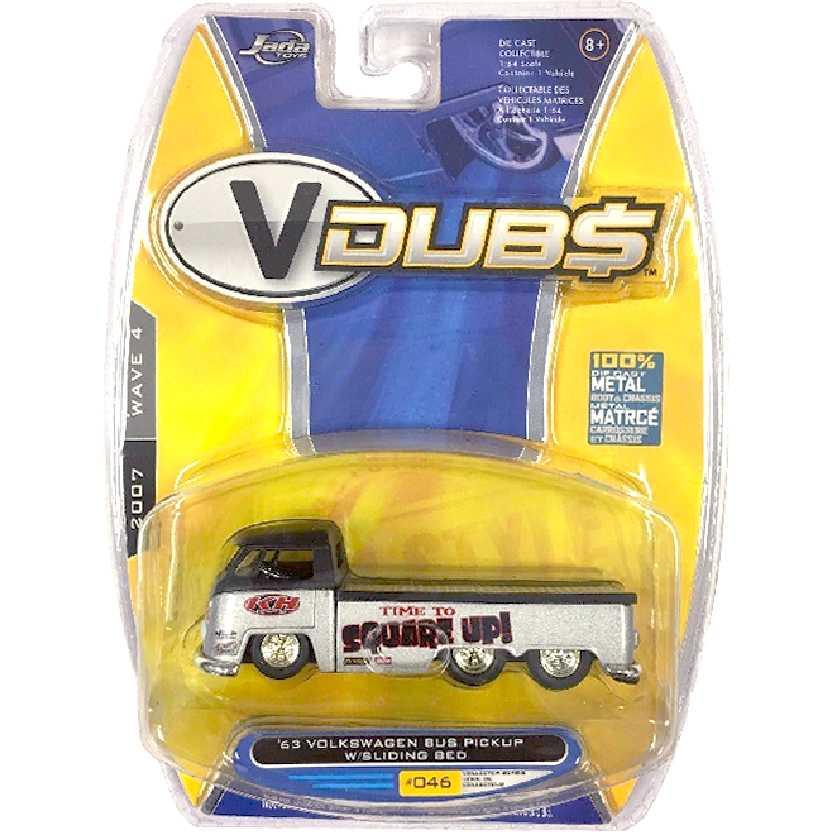 Guincho VW Kombi (1963) Volkswagen Bus Pickup w/ Sliding Bed marca Jada Toys escala 1/64