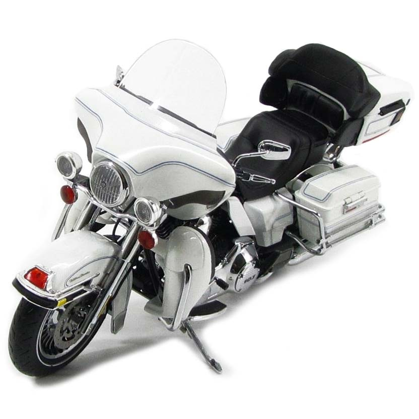 Harley-Davidson FLHTCU Ultra Classic Electra Glide (2012) Highway 61 escala 1/12
