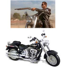 Harley-Davidson FLSTF Fat Boy (2012) similar do Exterminador do Futuro 2