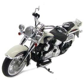 Harley-Davidson Highway 61 FLSTN Softail Deluxe (2012) escala 1/12