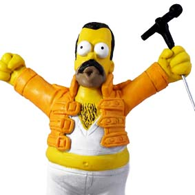 Homer Simpson : Freddie Mercury vocalista do grupo Queen