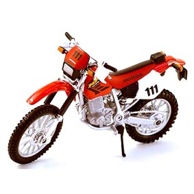 Honda XR400 R moto Maisto escala 1/18