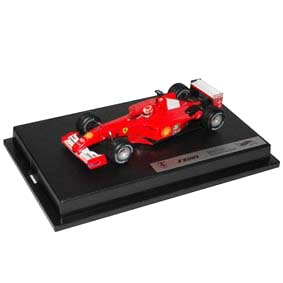 Hot Wheels Fórmula 1 Ferrari F2001 Michael Schumacher Campeão (2001) escala 1/43