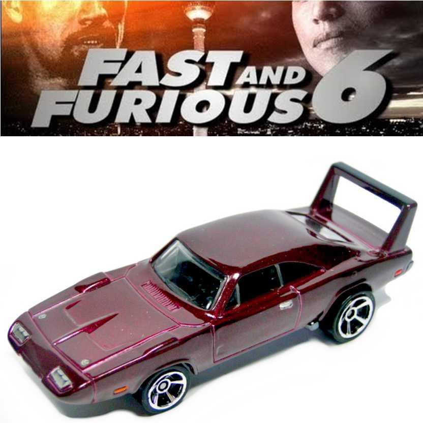Hot Wheels Velozes e Furiosos 6 1969 Dodge Charger Daytona series 8/8 CDR61 escala 1/64