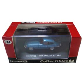 Jaguar E-Type com caixa de acrílico