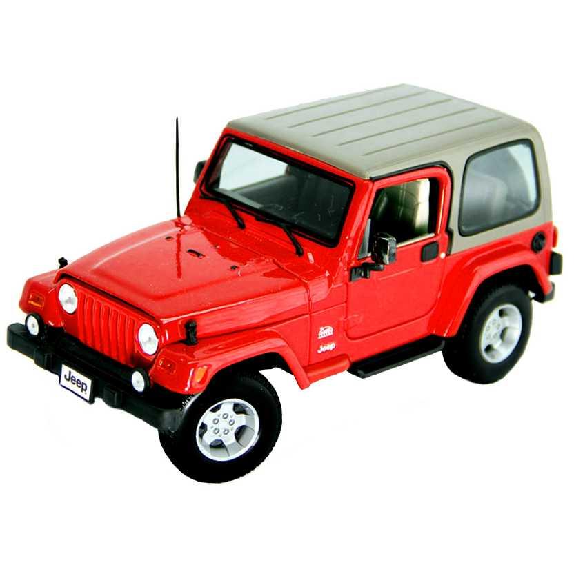Jeep Wrangler Sahara vermelho TJ Safari marca Bburago escala 1/18