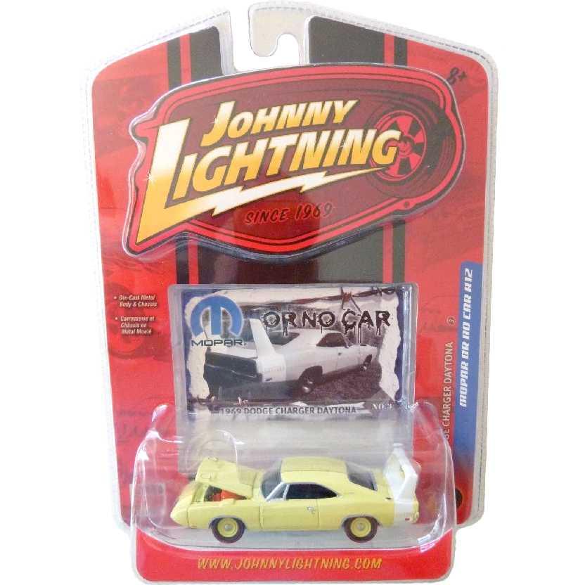 Johnny Lightning 69 Dodge Charger Daytona escala 1/64