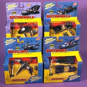 Johnny Lightning Coleção Batman Batmobile (1940 e 1960), Batboat e Batgyro