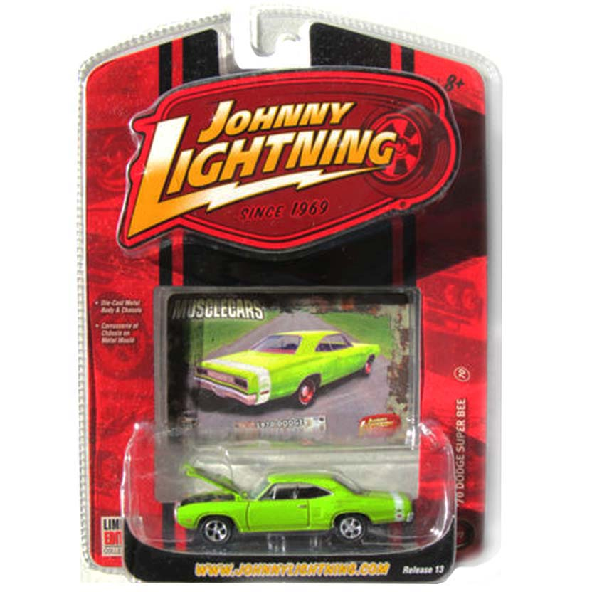 Johnny Lightning escala 1/64 Muscle Cars R13 - 1970 Dodge Super Bee verde