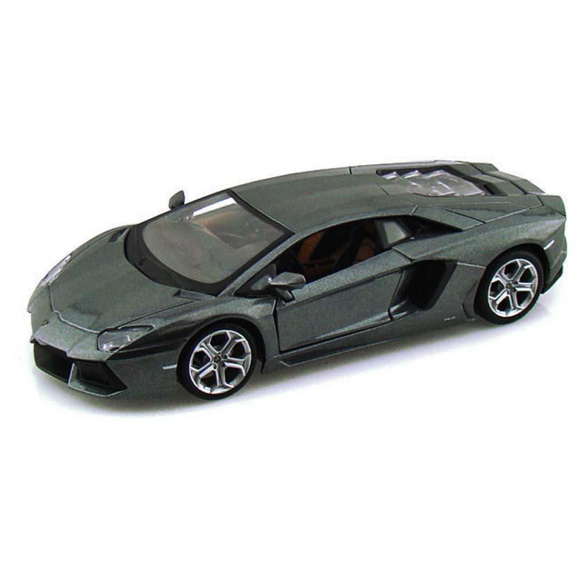 Lamborghini Aventador LP700-4 marca Maisto escala 1/24