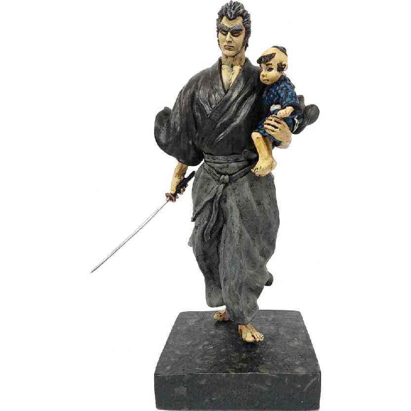 Lobo Solitário ( Kozure Okami ) Itto Ogami e seu filho Daigoro : O Samurai Fugitivo em resina