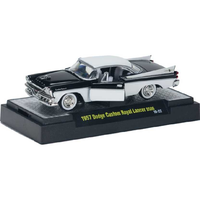 M2 Machines Auto-Thentics 1957 Dodge Custom Royal Lancer escala 1/64 R14 31500