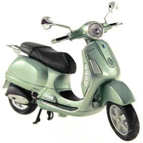 Maisto Vespa Granturismo (2003) :: Miniaturas de motos de ferro