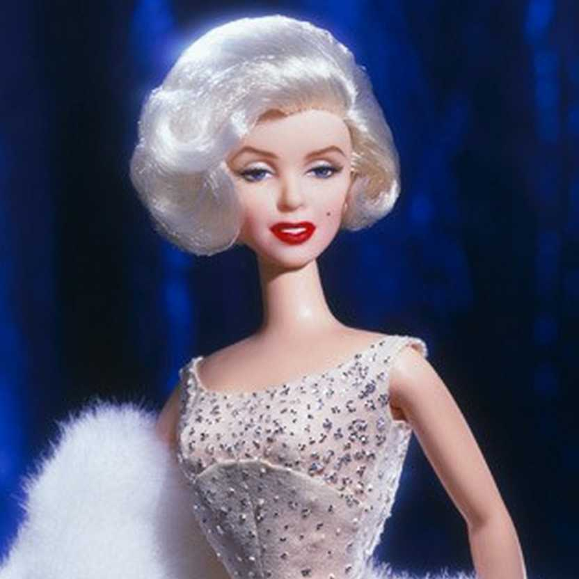 Marilyn Monroe ( Barbie Collector edition ) Timeless Treasures 2001