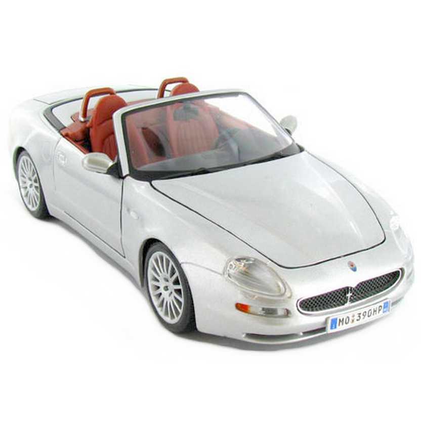 Maserati Spyder marca Maisto escala 1/18