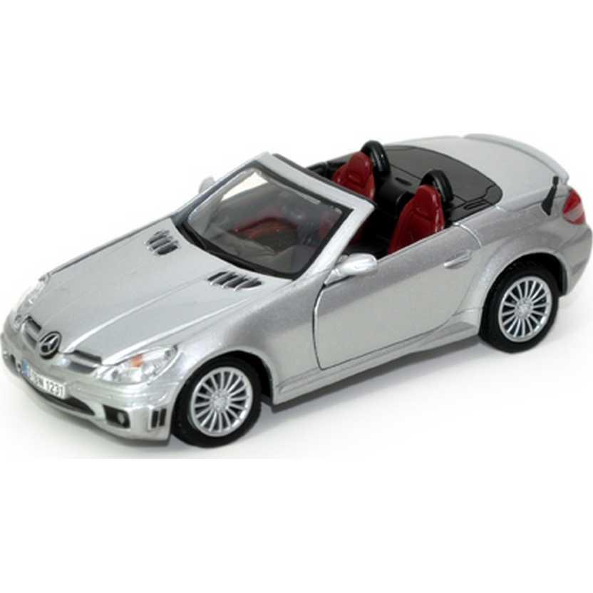 Mercedes-Benz SLK55 AMG cor prata (2005) marca MotorMax escala 1/24