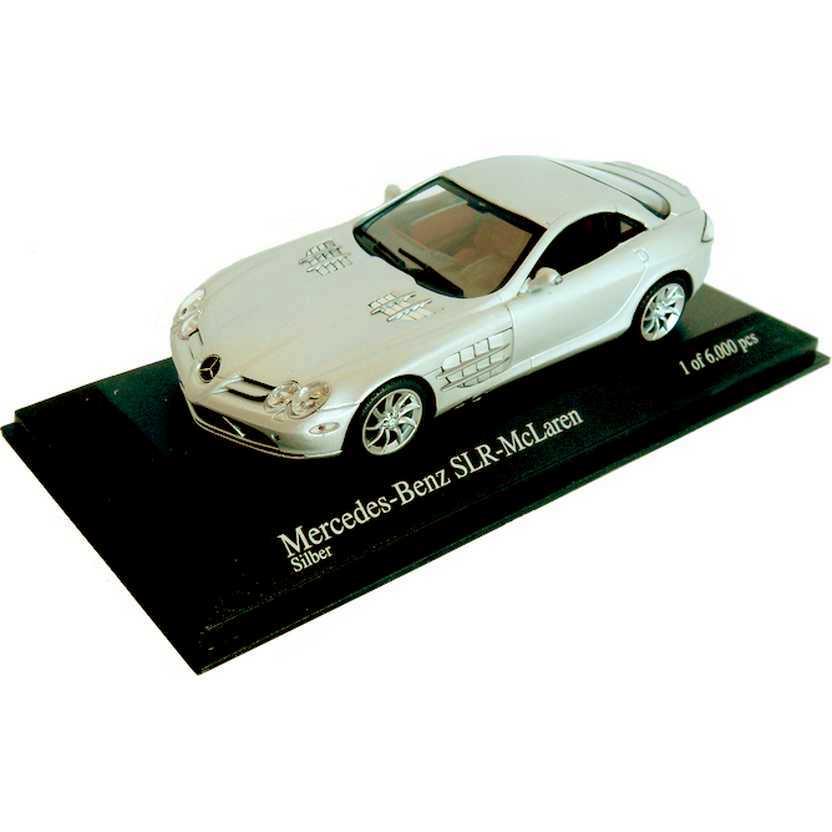 Mercedes-Benz SLR McLaren cor prata (2003) marca Minichamps escala 1/43