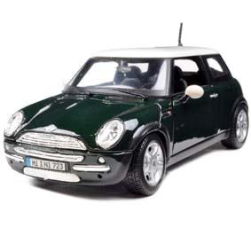 Mini Cooper (2002) cor verde metálico marca Maisto escala 1/24