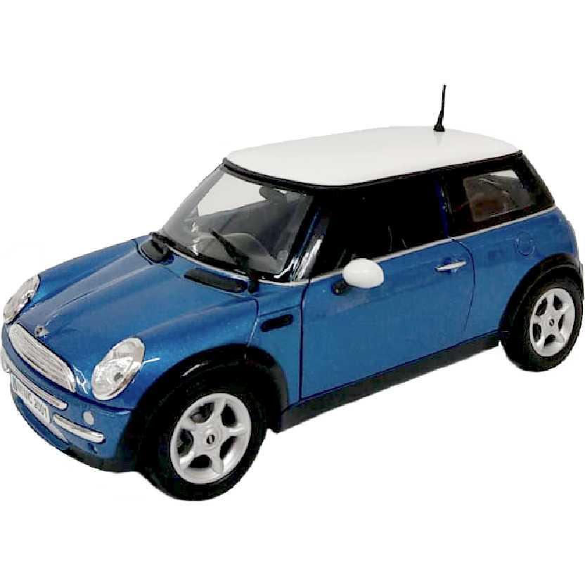 Mini Cooper azul (2001) similar do filme Uma saída de mestre Motormax escala 1/18