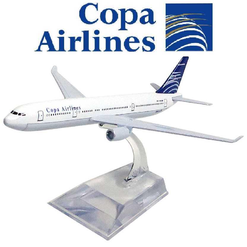 Miniatura de avião comercial Airbus A330 da Copa Airlines company
