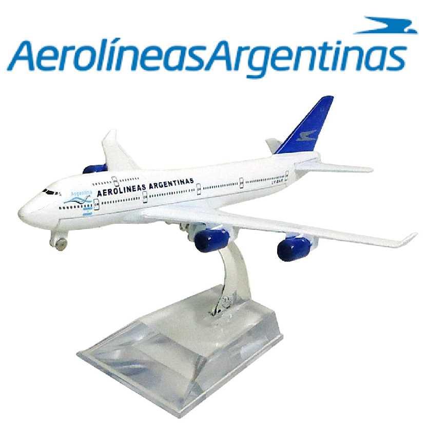 Miniatura de avião comercial Boeing 747 da Aerolíneas Argentinas airline company