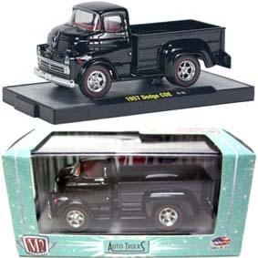 Miniatura de Caminhão 1957 Dodge COE Truck (preto) M2 Machines escala 1/64