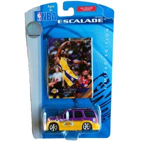 Miniatura do Cadillac Escalade escala 1:64 :: com card do Lakers NBA Kobe Bryant