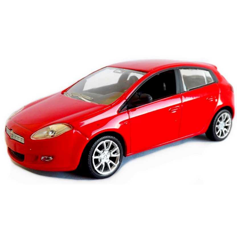 Miniatura do Fiat Bravo cor vermelho marca Novev escala 1/43