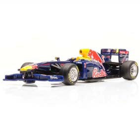 Miniatura F1 Red Bull RB7 (2011) #2 Mark Webber escala 1/32