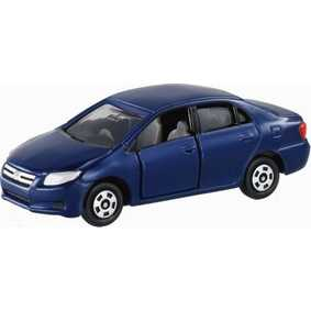 Miniatura Toyota Corolla Axio de metal marca Tomy Takara