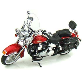 Miniaturas Highway 61 1/12 :: Harley Davidson FLSTC Heritage Softail Classic (2010)